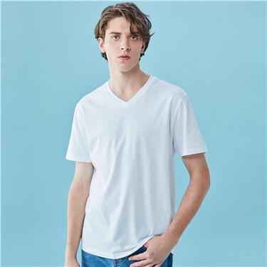 Solid v-neck short-sleeve tee