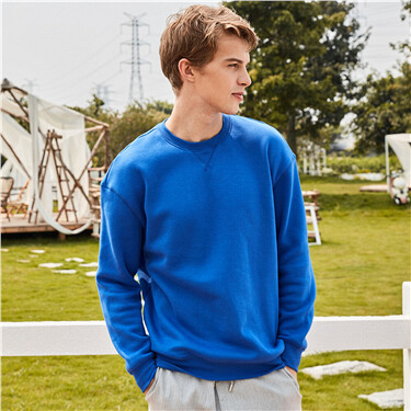 Solid thick fleece-lined sweatshirt
