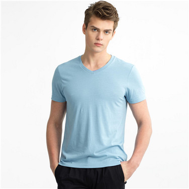 Solid V-neck basic tee