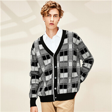 Contrast plaid v-neck cardigan