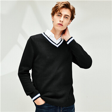 Thick cotton contrast v-neck sweater