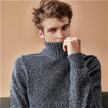 Thick turtleneck pullover sweater