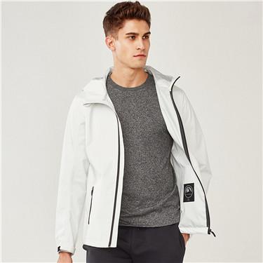 白色防潑水連帽夾克