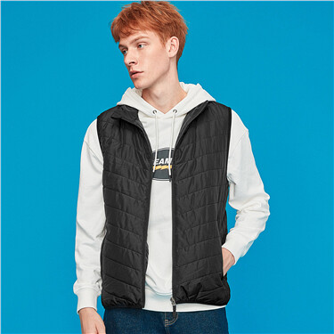 Stand collar sleeveless quilted vest