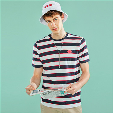 Embroidery badge stripe crewneck short-sleeve tee