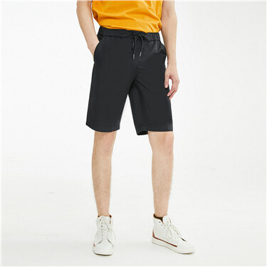 Lightweight elastic waistband shorts