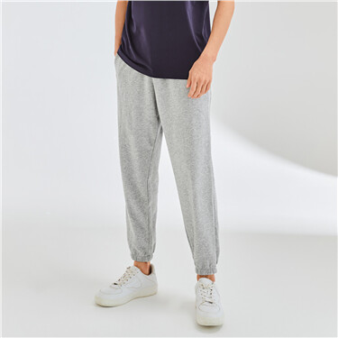 Loose elastic waistband joggers
