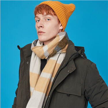 Fringed contrast plaid scarf