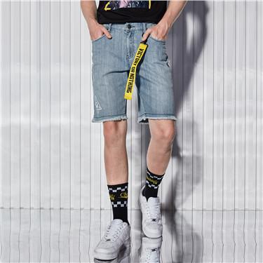 纯棉字母织带毛边裤脚牛仔短裤