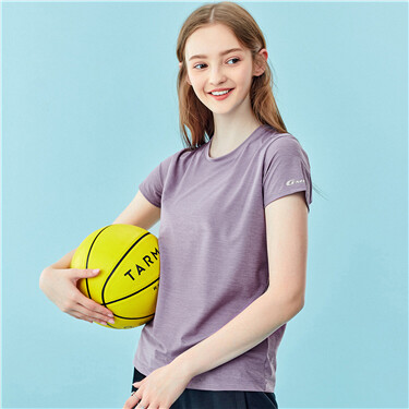 High-tech lightweight crewneck sport tee