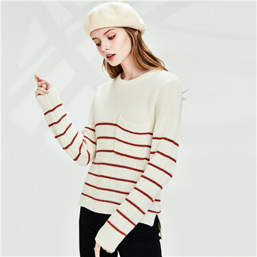 Thick stripe pocket o-neck sweater
