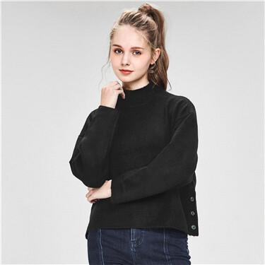 Thick buttons at hem high-neck sweater