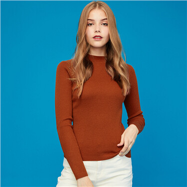 Solid long-sleeve knitted wear