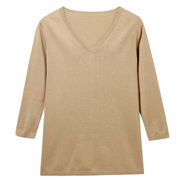 V-neck three-quarter sleeve sweater