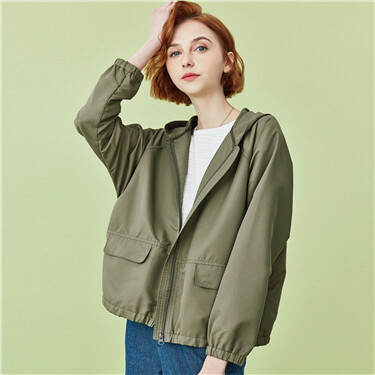 Loose raglan sleeves lightweight jacket