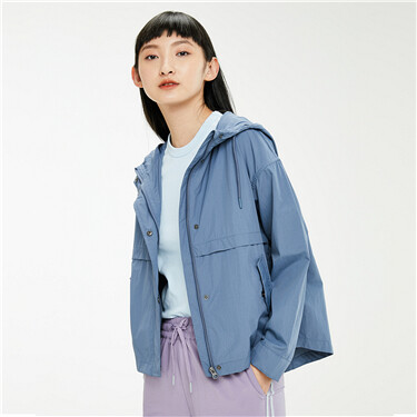 Water repellent loose hooded jacket