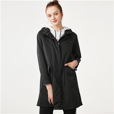 Banded-waist hooded long thin windbreaker