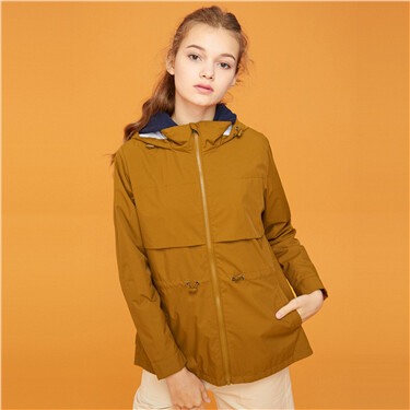 Solid banded-waist hooded jacket