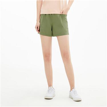 Patch pockets elastic waist shorts