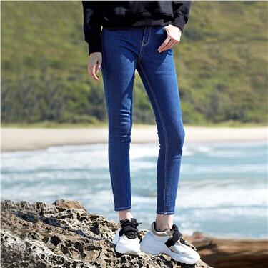 厚实修身牛仔长裤