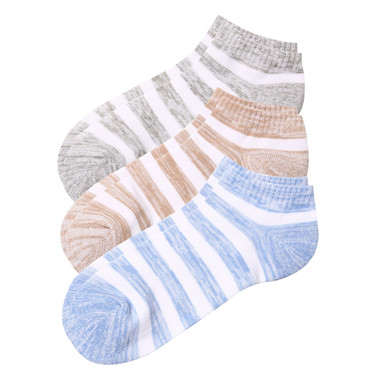 百搭条纹相间三对装短袜