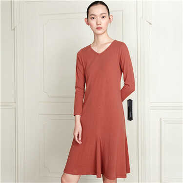 Solid v-neck long-sleeve dress