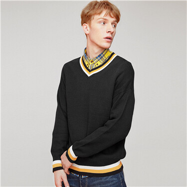 Contrast v-neck knitted sweater