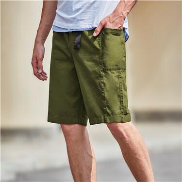 Lightweight elastic waistband cargo shorts