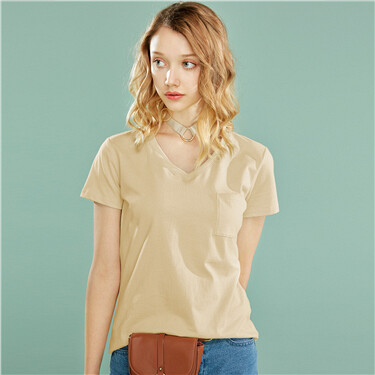 V-neck cotton pocket tee