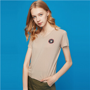 Embroidery V-neck short-sleeve tee