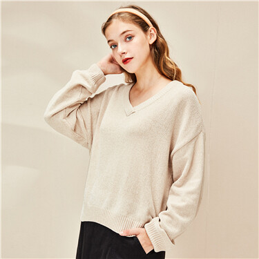 Plain v-neck dropped-shoulder sweater