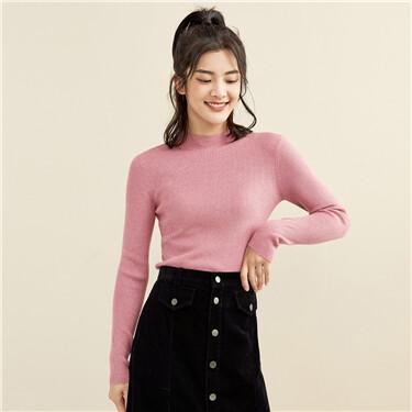 Solid color mockneck slim sweater