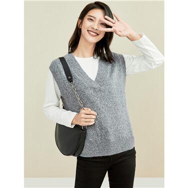 Thick V-neck sleeveless knit vest