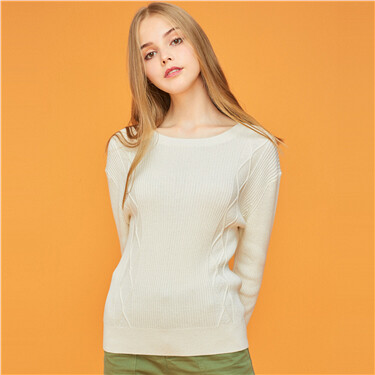 Crewneck cable knitted sweater