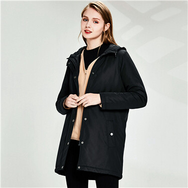 Mid-long quilted hooded jacket