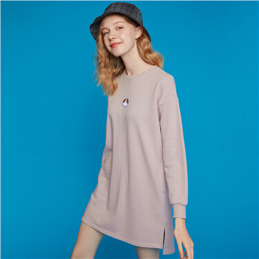 Small embroidery crewneck long-sleeve dress