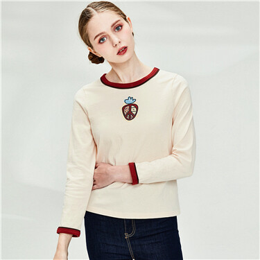 Printed contrast-colored crewneck T-shirt