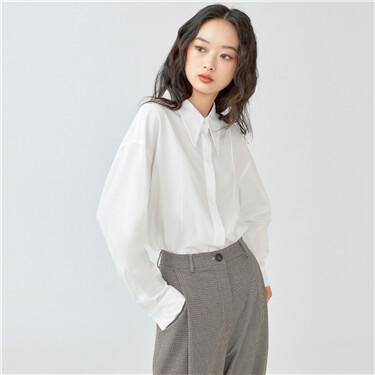 Forward seam pointed collar shirt