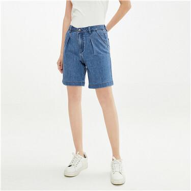 洗水褶皱中腰牛仔短裤