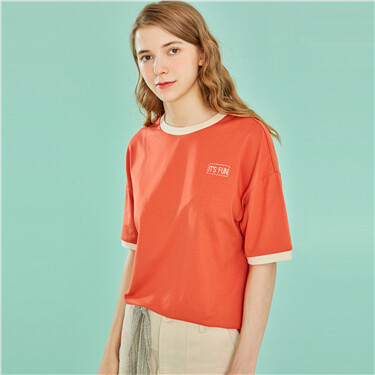 Contrast-color crewneck tee