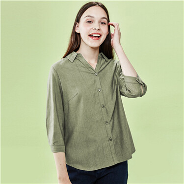 Button closure three-quarter sleeves shirt