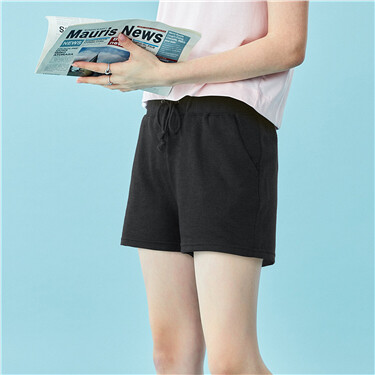 Elastic waistband with drawstring shorts