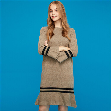 Contrast flare cuffs long-sleeve knitted dress