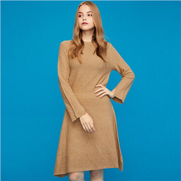 Crewneck long-sleeve knitted dress