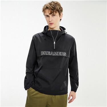 字母刺绣袋鼠兜套头风衣外套