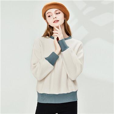 Contrast fleece crewneck sweatshirt
