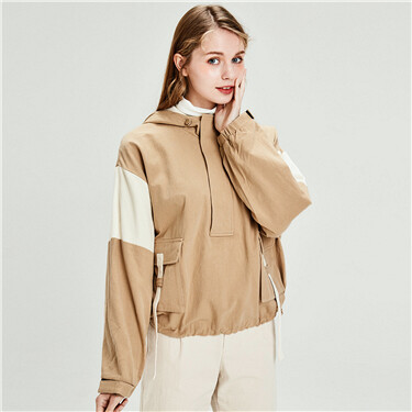 Contrast half placket hooded jacket