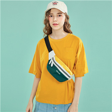 Single pocket crewneck tee